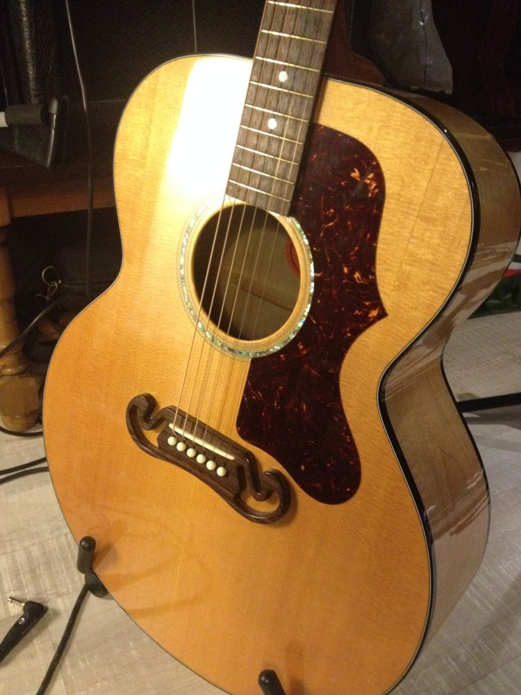 Un nouveau bébé (bis) : Gibson J-100 Xtra (2001) Gibson10