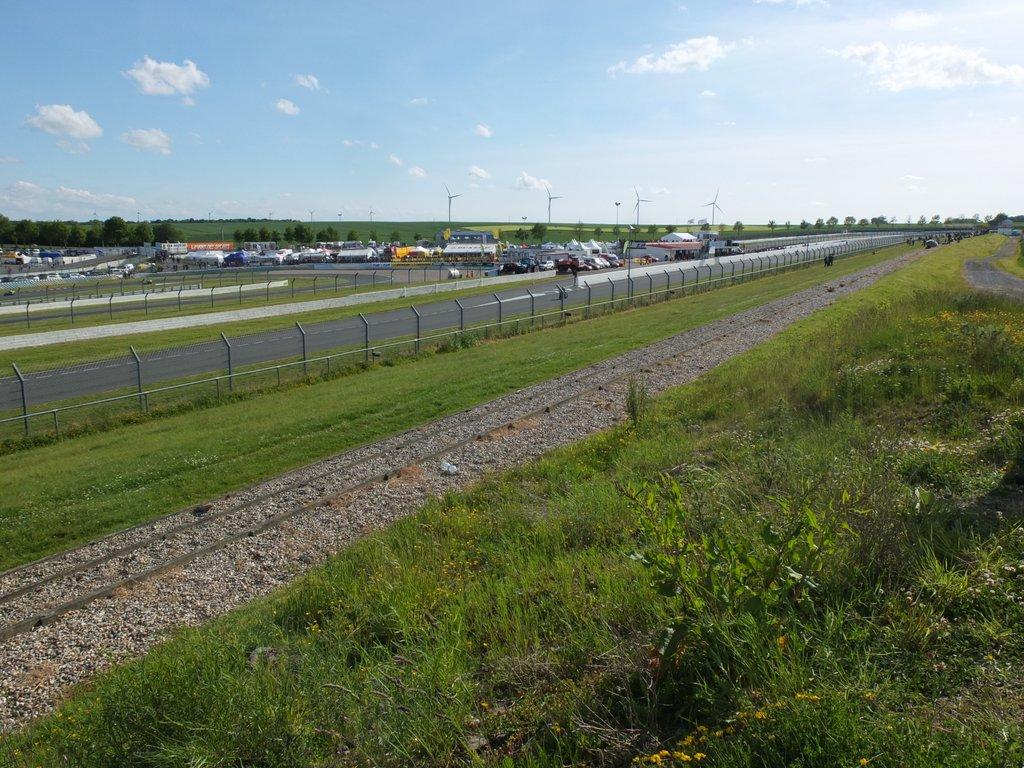 [Pit Laners en course!] Carnet de piste d'Alex (saison 2) - Page 2 Dscf1310