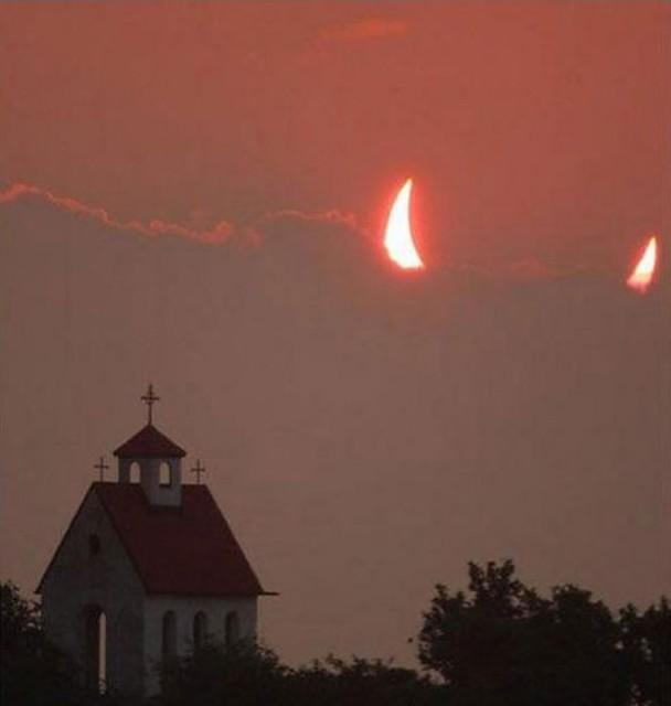 HUMOUR - Photos prises pil poil... Eclips10