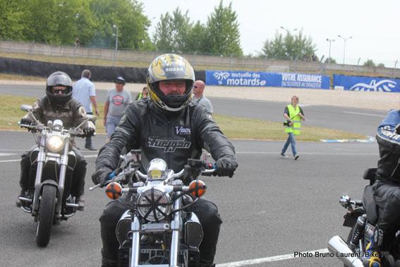 Classic Machines les 13 et 14 juin au circuit Carole - Page 10 11143211