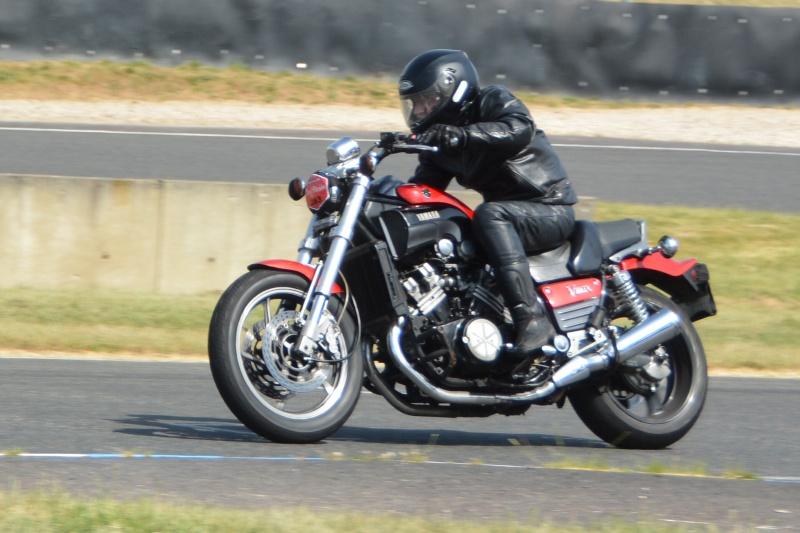 Classic Machines les 13 et 14 juin au circuit Carole - Page 10 Dsc_5010