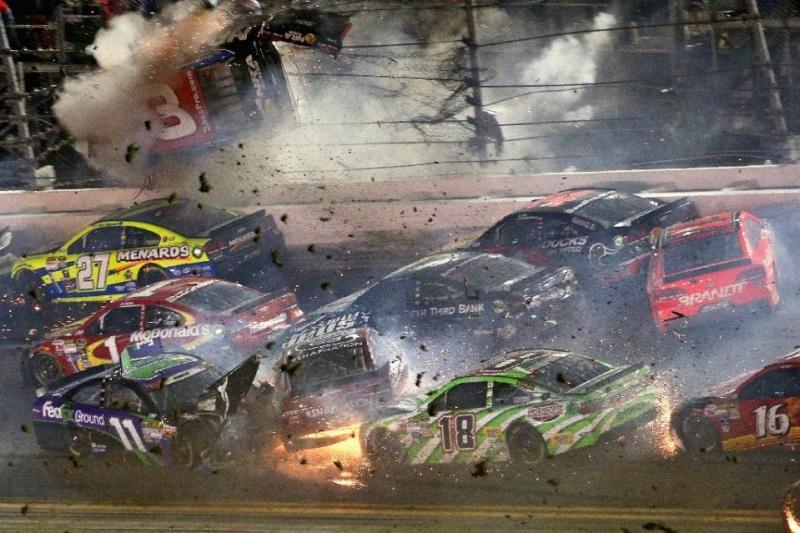 NASCAR -- 2015 71f51310