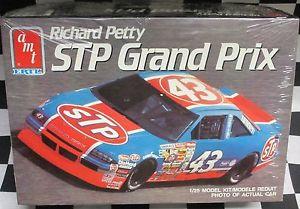 """NASCAR #27 KODIAC Pontiac et #72 RAMADA Buick """"Rusty Wallace"""" _3510"""