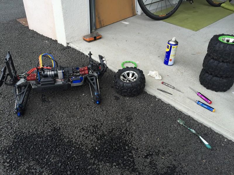 Mon nouveau jouet : Traxxas Summit 1/8 - réglé et prêt à rouler - Page 7 Summit13