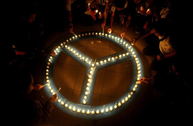 """""""Apportons notre lumière pour la paix dans le monde"""" Appel-10"""