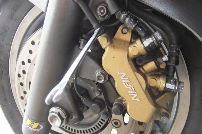 purge des freins de nos SW/SWT 400/600 Dscf6121