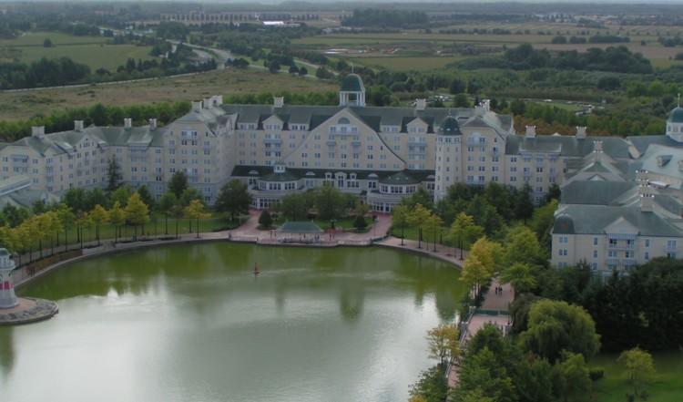 Disney's Newport Bay Club Hotel **** Newpor10