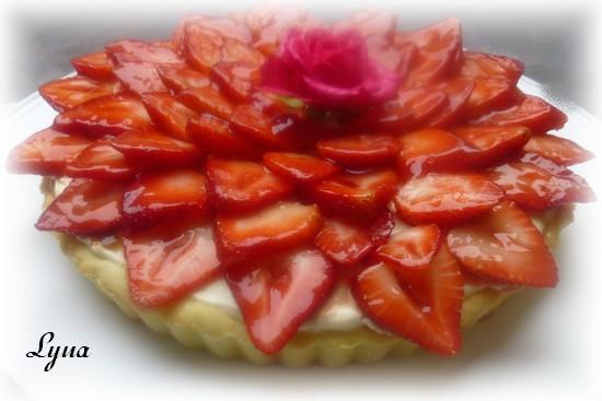 Tarte aux fraises et à la mousse de chocolat blanc Tarte510