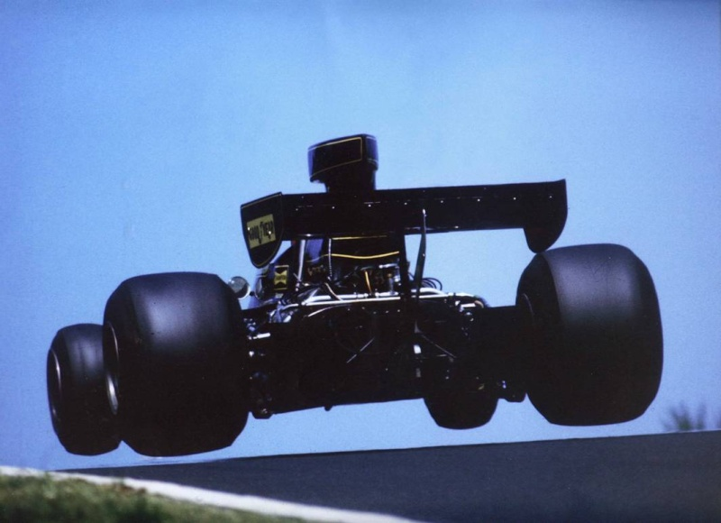 Nurburgring plus qu'un circuit un royaume de passionnés  - Page 2 1975jo10