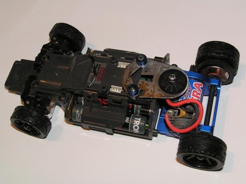 mes mini z , mes carrosseries et mes châssis .  P1110011