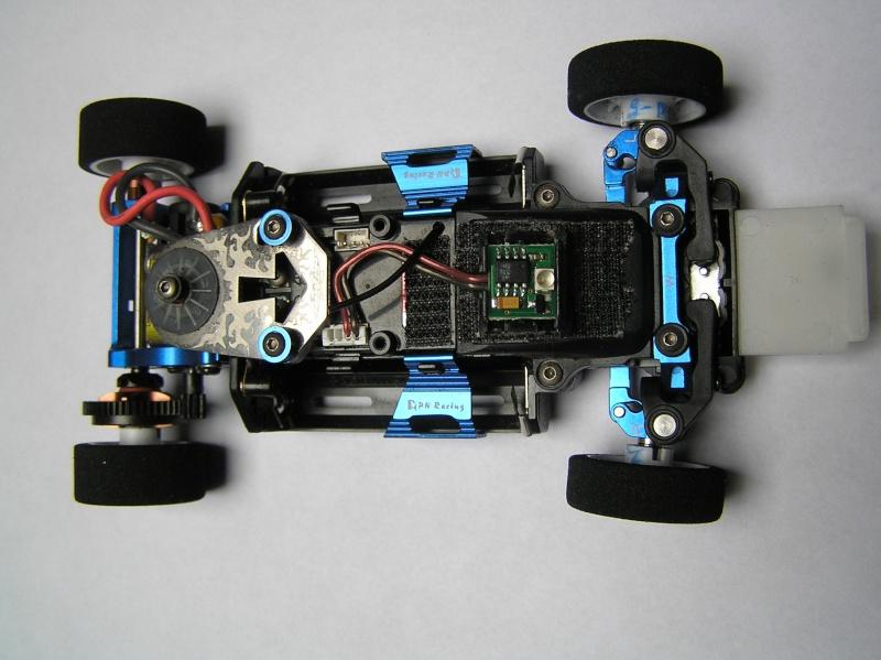 mes mini z , mes carrosseries et mes châssis .  P5020110