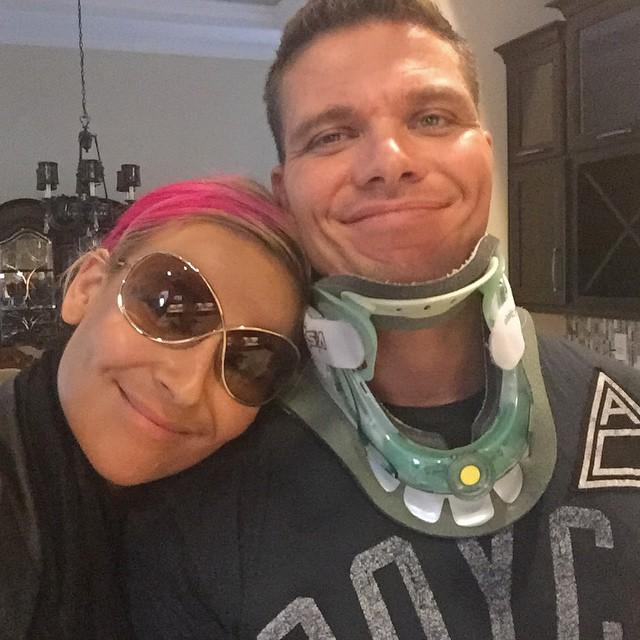 [Forme] Un lutteur WWE blessé, une tag team en péril ?  (Mis à jour) 11378410