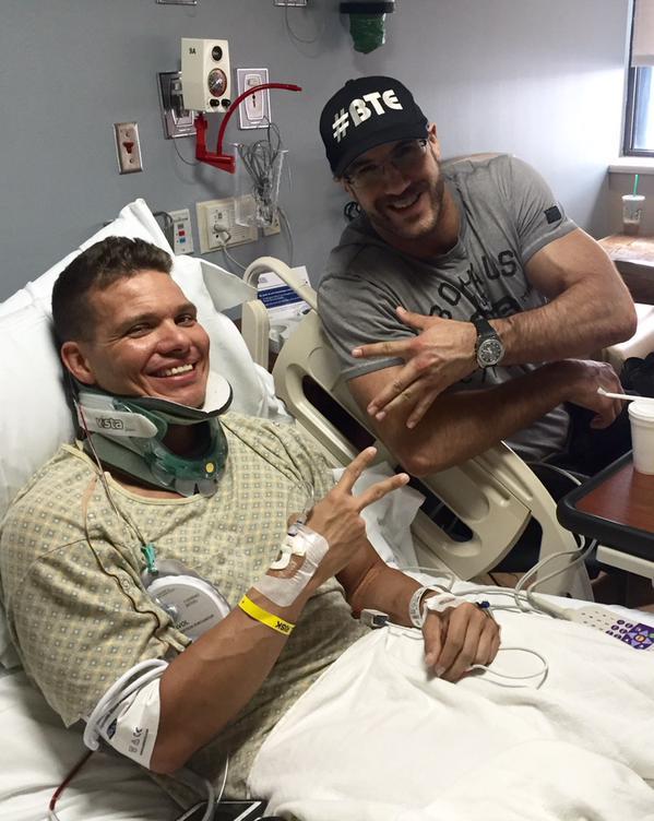 [Forme] Un lutteur WWE blessé, une tag team en péril ?  (Mis à jour) Cit3a710
