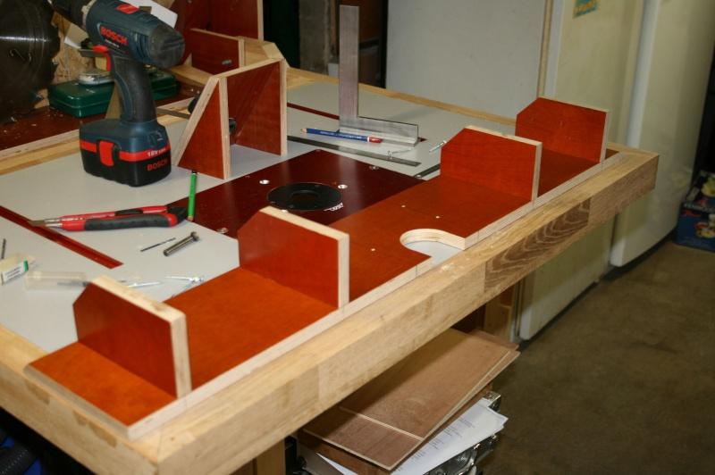 Table de défonceuse escamotable. Img_3830