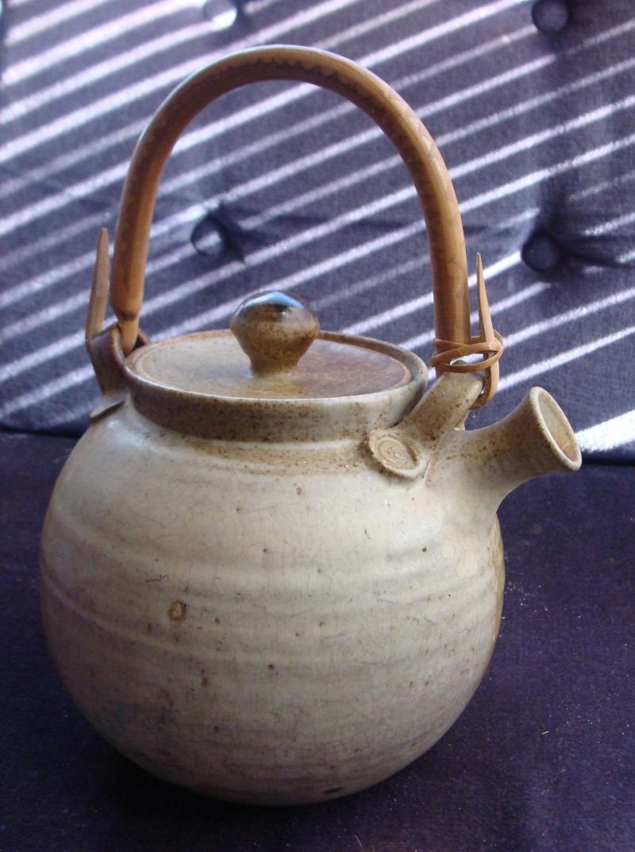 Well loved tea pot Dsc05527