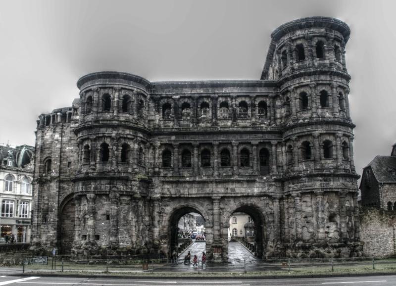 """La """"Porte Noire"""" à Trèves en Allemagne. 47508710"""
