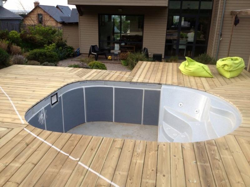 Pose terrasse composite sans margelles sur Claire 08. 31614610