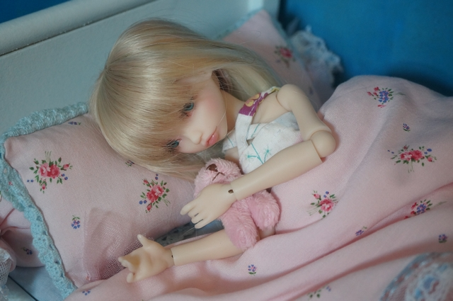 Emily 🎀 Les fleurs [Rhubarbe - Nobles Dolls] Emidod13