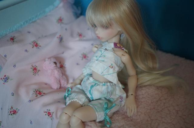 Emily 🎀 Les fleurs [Rhubarbe - Nobles Dolls] Emidod14
