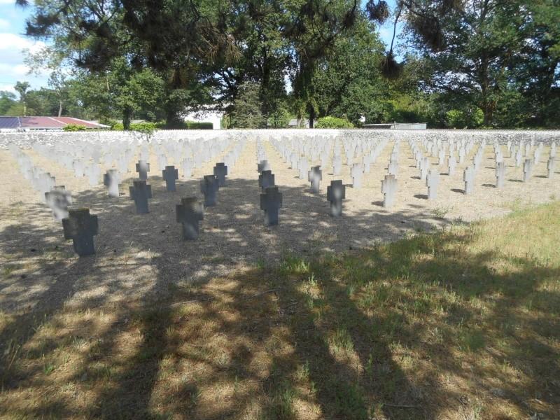 cimetière allemand 14-18 de Mont de Marsan (40) Dscn1111