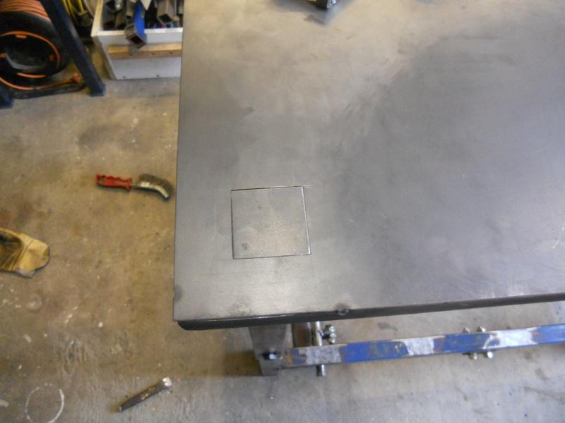 établi métallique réglable en hauteur Dscn2711