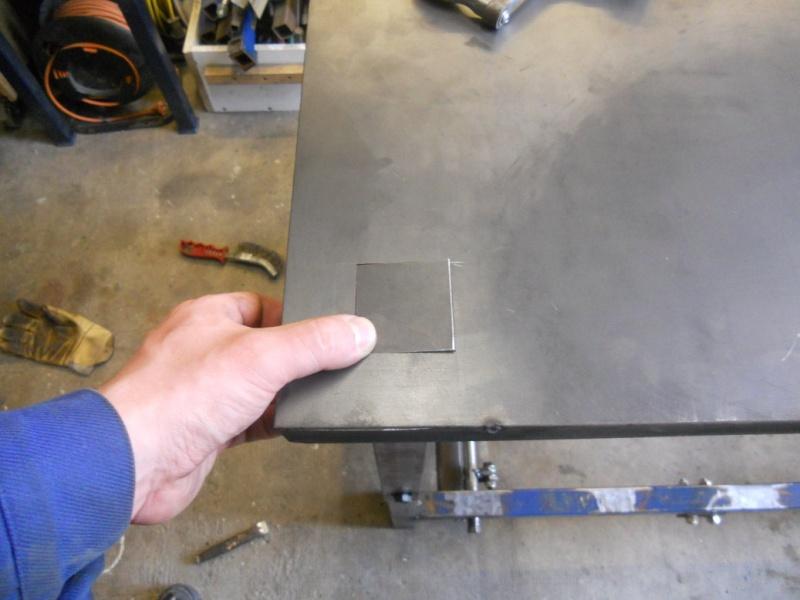 établi métallique réglable en hauteur Dscn2712