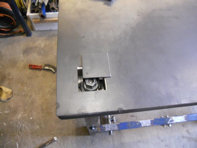 établi métallique réglable en hauteur Dscn2713