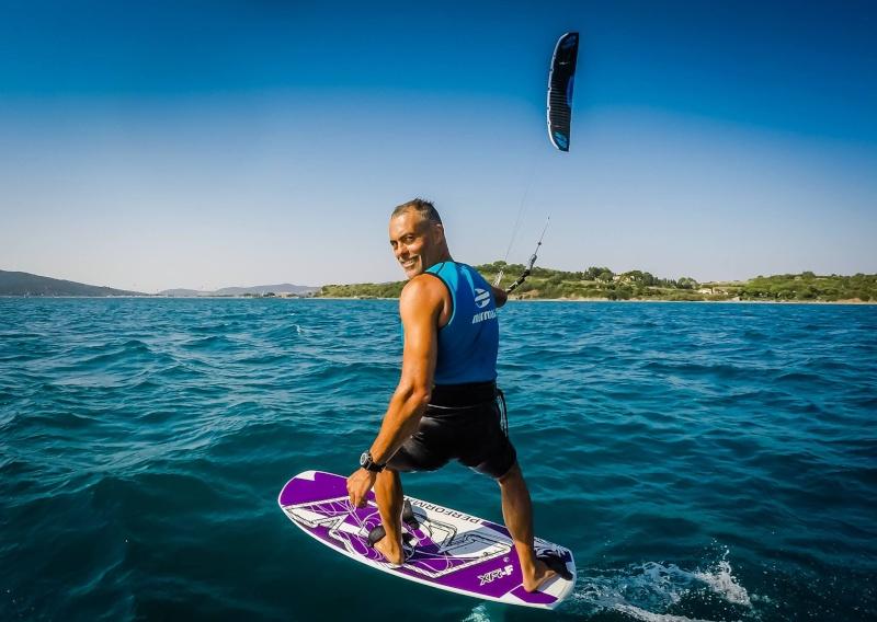 Simone Vanucci rejoint le Team Flysurfer ! ...  11222310