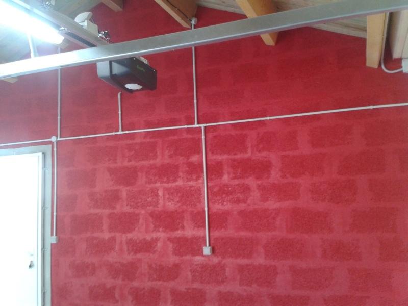 La d co de ma porscherie progresse for Poncer un mur peint