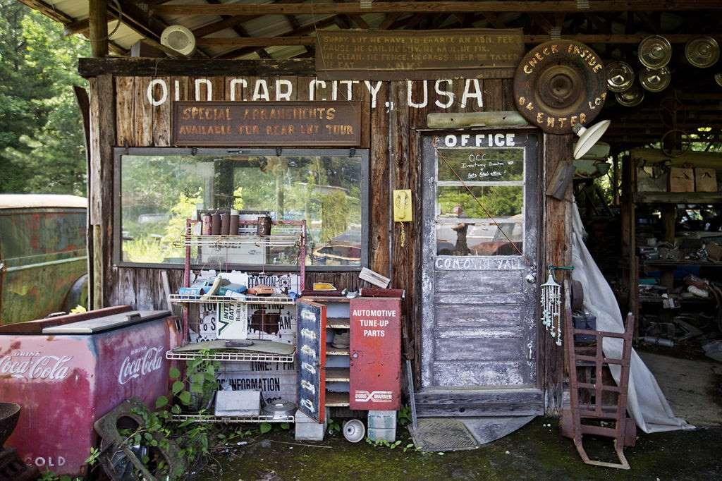 Old Car City B110
