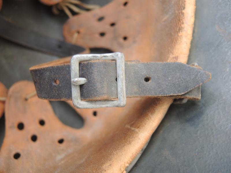 La jugulaire du casque allemand Dscn8060
