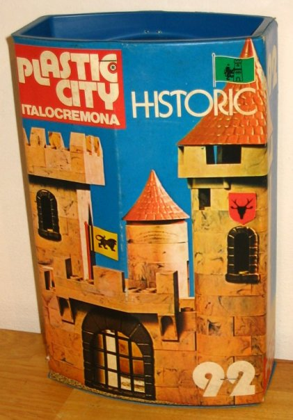Cerco Plastic city Italocremona castelli Confez10