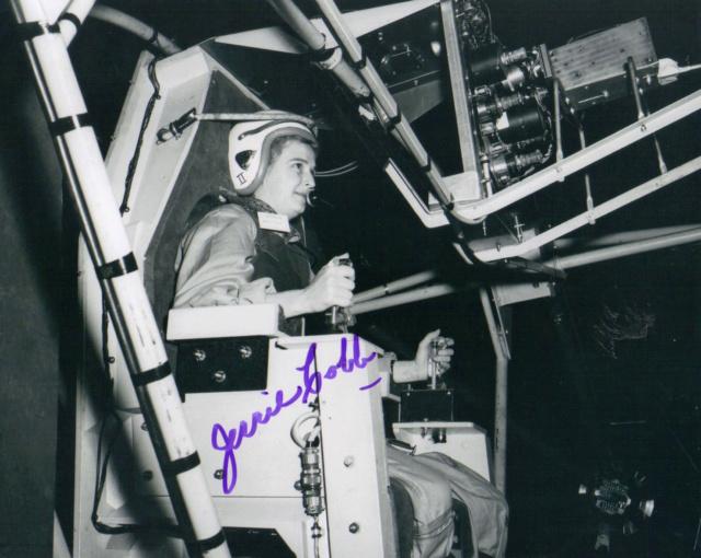 Un Jour - Un Objet Spatial - Page 13 Cobb_j10