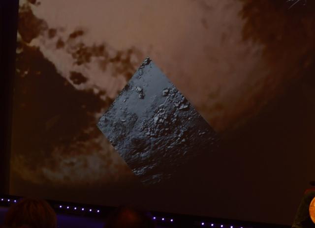 [Conférence] New Horizons et Pluton - 15 juillet 2015 à la Cité des Sciences à Paris Dsc_0111
