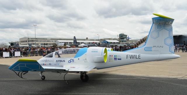 [Aviation] L'E-Fan d'Airbus traverse la Manche - 10 juillet 2015 Dsc_0610