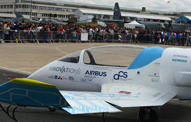 [Aviation] L'E-Fan d'Airbus traverse la Manche - 10 juillet 2015 Dsc_0611