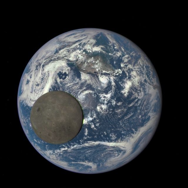 Mission DSCOVR - Photo du couple Lune - Terre ;-) Epicea10