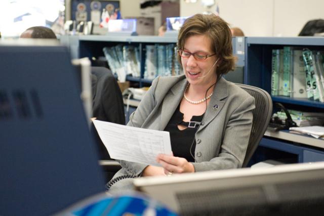 Holly Ridings devient la première femme ''Chief Flight Directors'' à la NASA Holy_r10