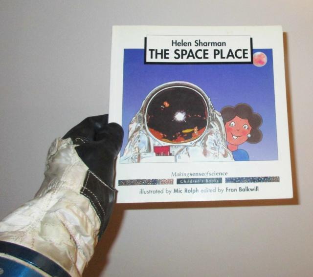 Un Jour - Un Objet Spatial - Page 15 Img_0215