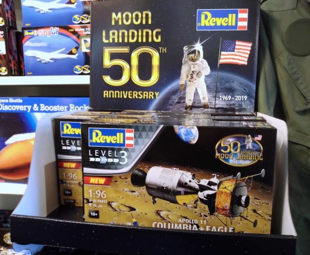 [Maquettes] 50ème anniversaire d'Apollo 11 / Série Revell Img_2040