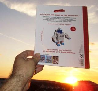 [Livre Jeunesse] L'astronaute / Mes Docu-Blocks chez Fleurus / Pierre-François Mouriaux Img_4813