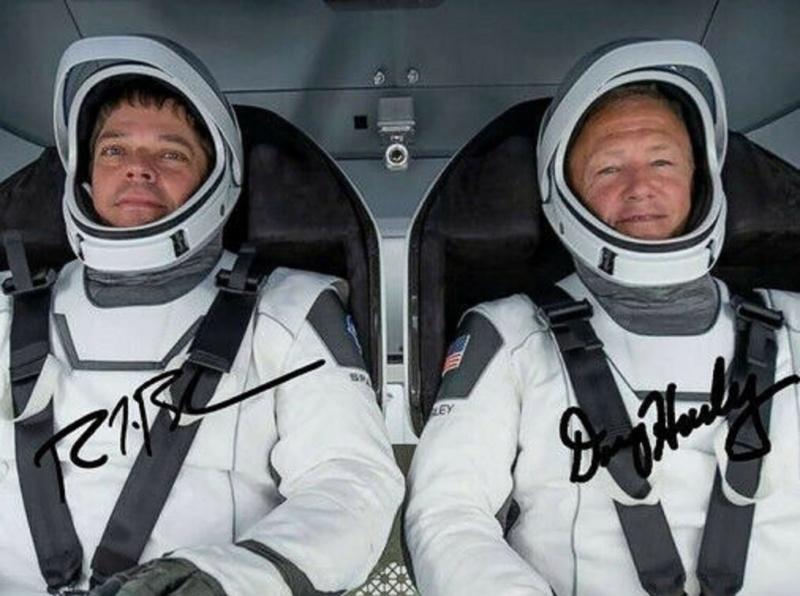 Equipage Crew Dragon DM-2 Spacex - Photos signées / Attention aux photos imprimées S-l16012