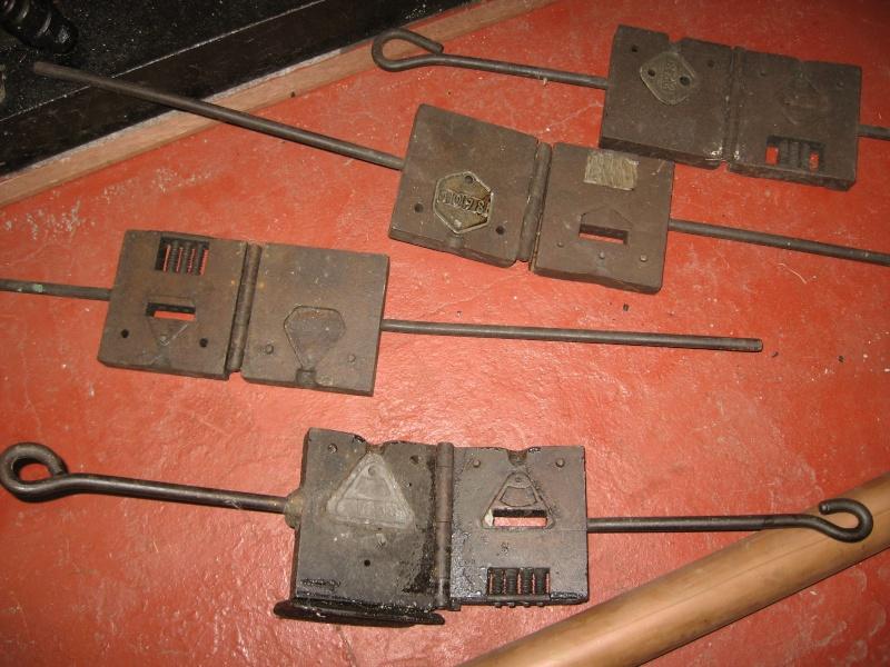 lampes de mineurs,  divers objets de mine, outils de mineur et documents  01511
