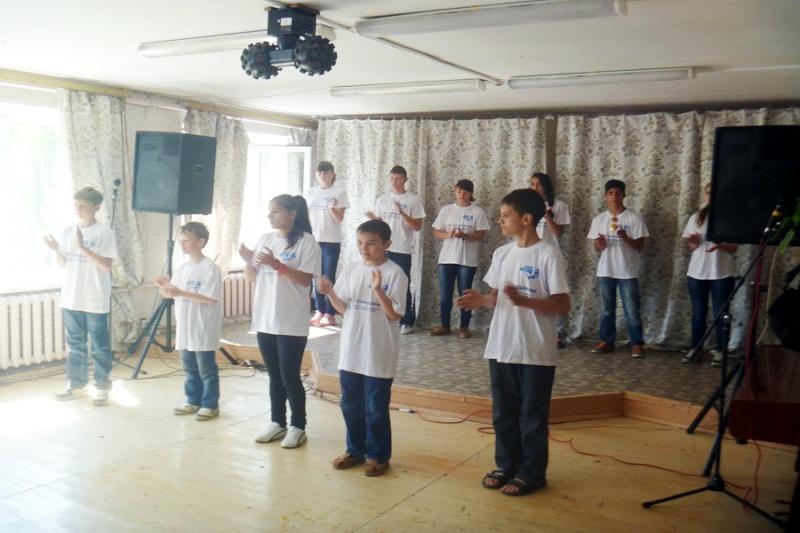 День защиты детей отметили в Райсемёновском ЦСДК  Rodny010