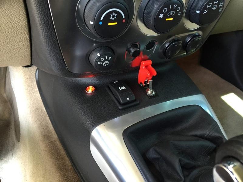 Regardez bien les photos de ce Hummer H3 !  11921710