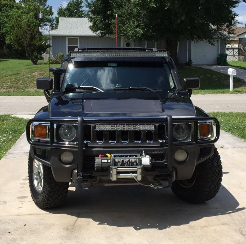 Regardez bien les photos de ce Hummer H3 !  11949310
