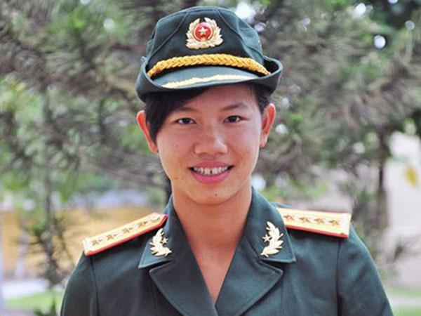 Đề xuất thăng hàm Thiếu tá cho Nguyễn Thị Ánh Viên Anh-vi11
