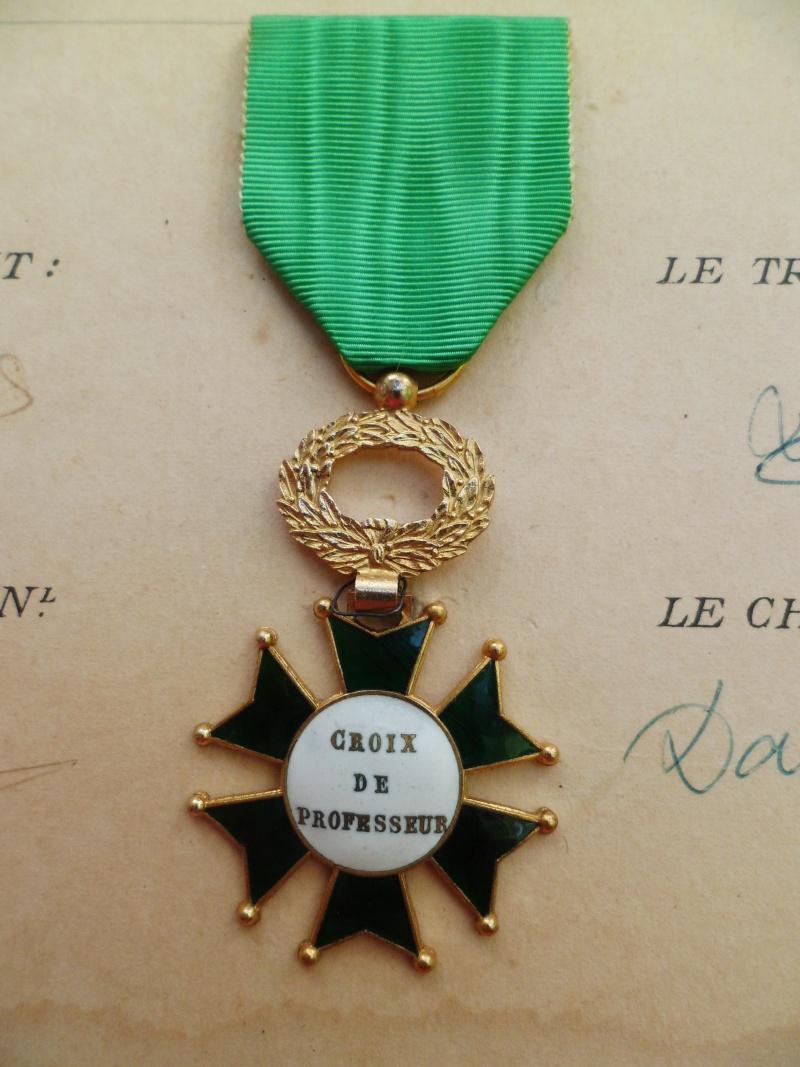 Croix de Professeur en Email et Bronze de l'Ecole St Louis Union Coiffure avec son Diplome - TRES RARE St_lou15