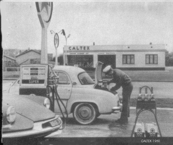 Les Stations-Service & les Garages Z10_3110
