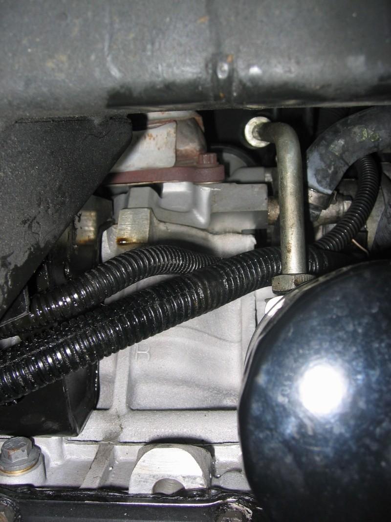 fuite d'huile...remplacement joint d'étanchéité - Couvercle avant (chaîne de distribution) V8 4.6 à partir AM99 - Page 2 Front_10